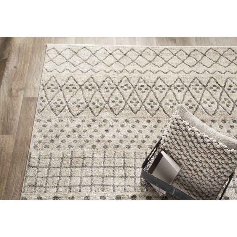 Cosima Ernest Birch White/ Sterling Gray Area Rug