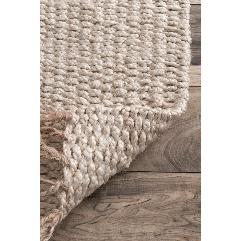 nuLOOM Handmade Benavides Tassel Rug