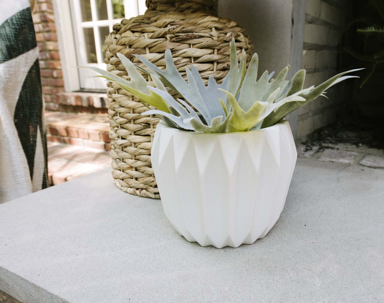 Signy Stoneware Pot