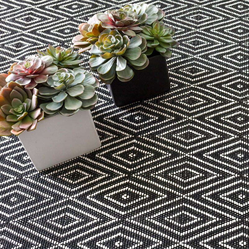 Dash and Albert Rugs Diamond Geometric Handmade Flatweave Black Area Rug Rug Size: Rectangle 8' x 10'