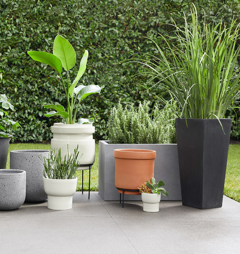 Dell Tall All-Weather Planter