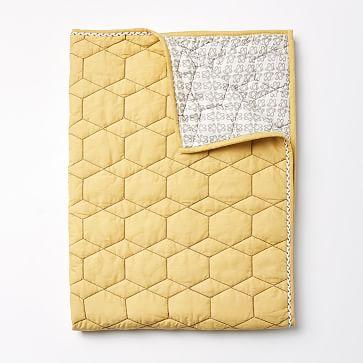 Honeycomb Toddler Quilt, Horseradish