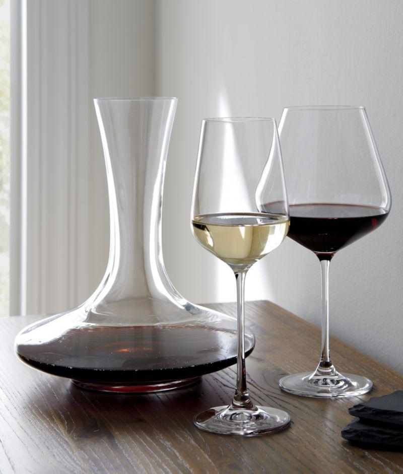Hip White Wine Glass