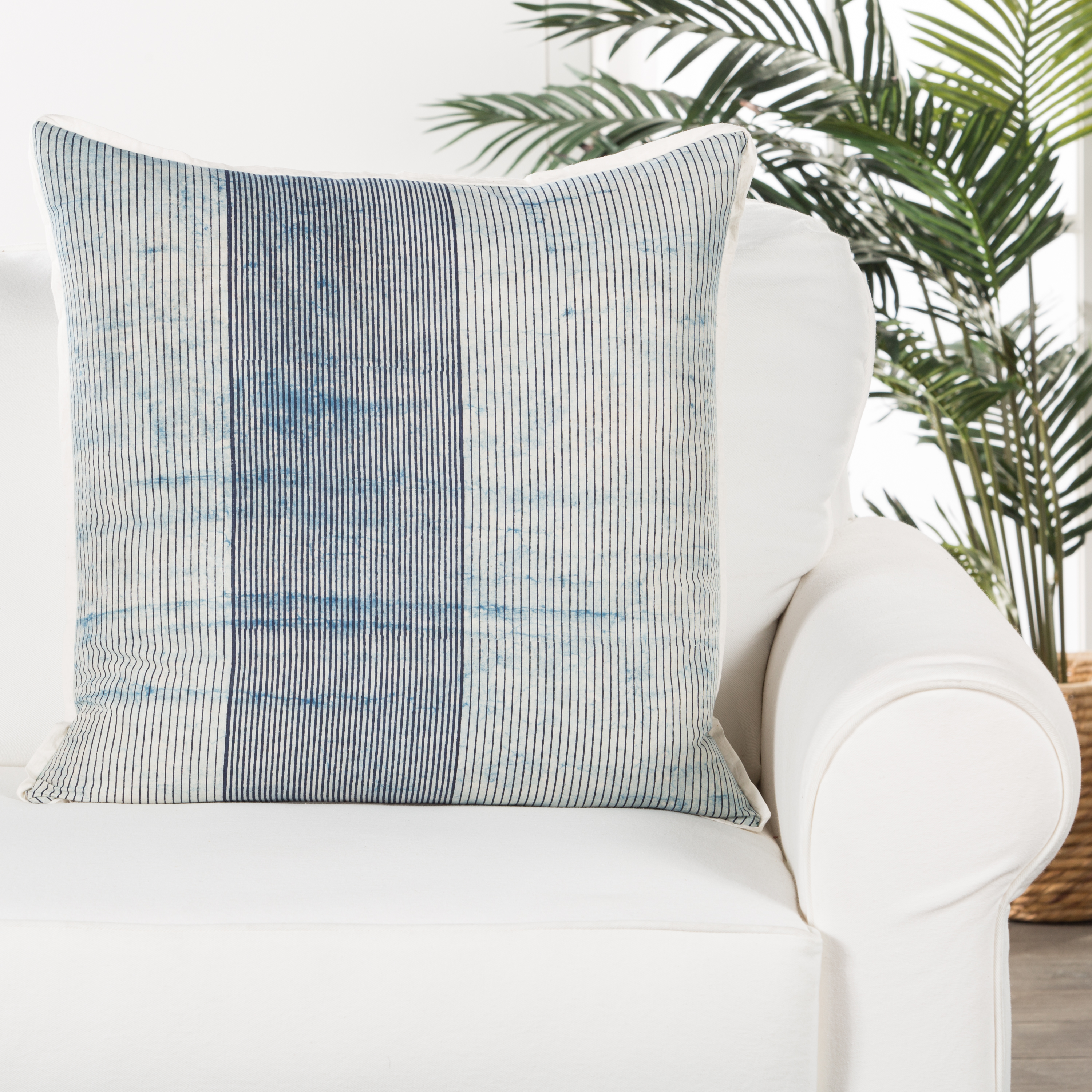 Alicia Pillow - Polyester Insert