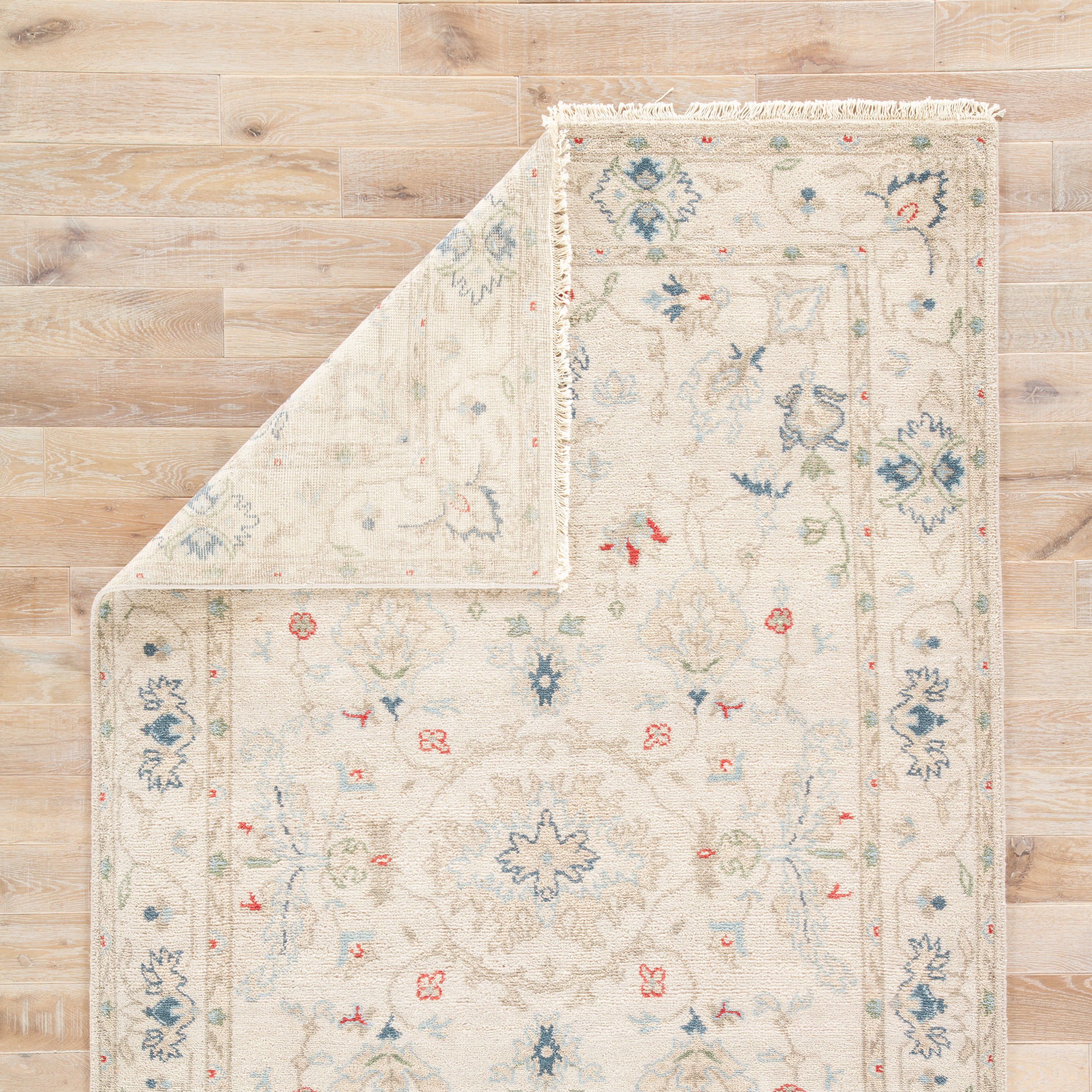 Hacci Hand-Knotted Floral Cream/ Blue Area Rug (8' X 10')
