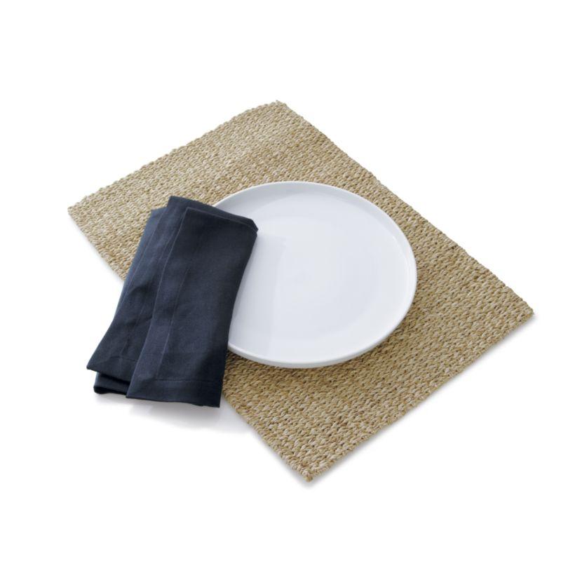 Toben 16-Piece Dinnerware Set