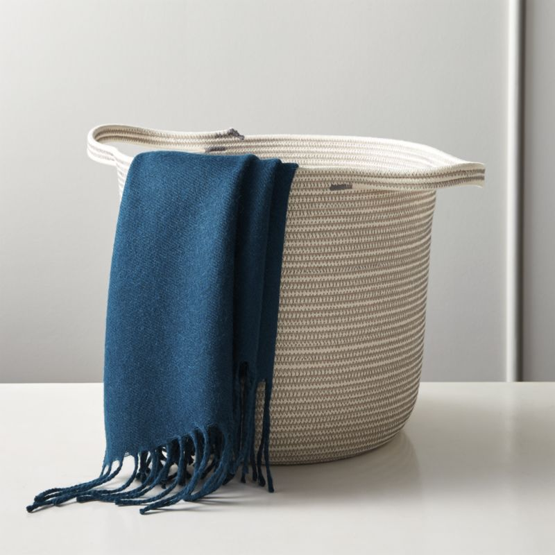 Dumbo Carrier Grey and White Basket