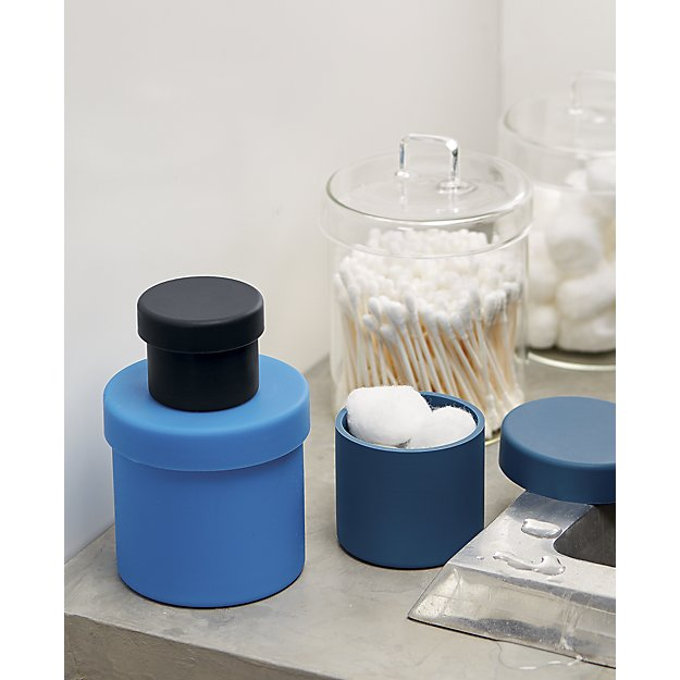 Pincher canister with lid