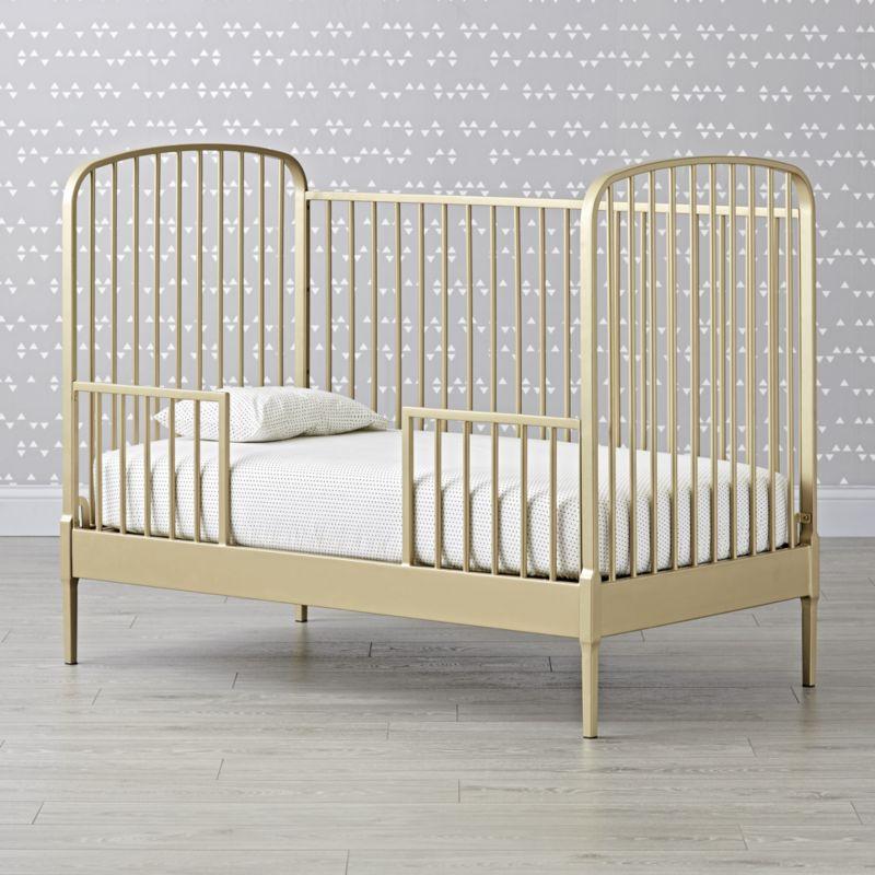 Larkin Gold Metal Crib