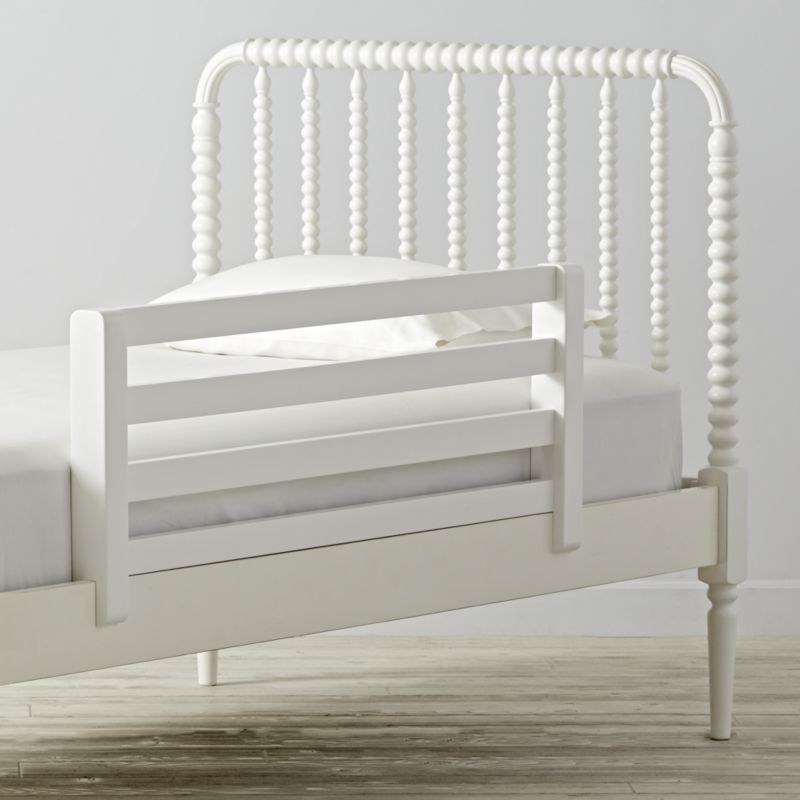 Jenny Lind White Queen Bed