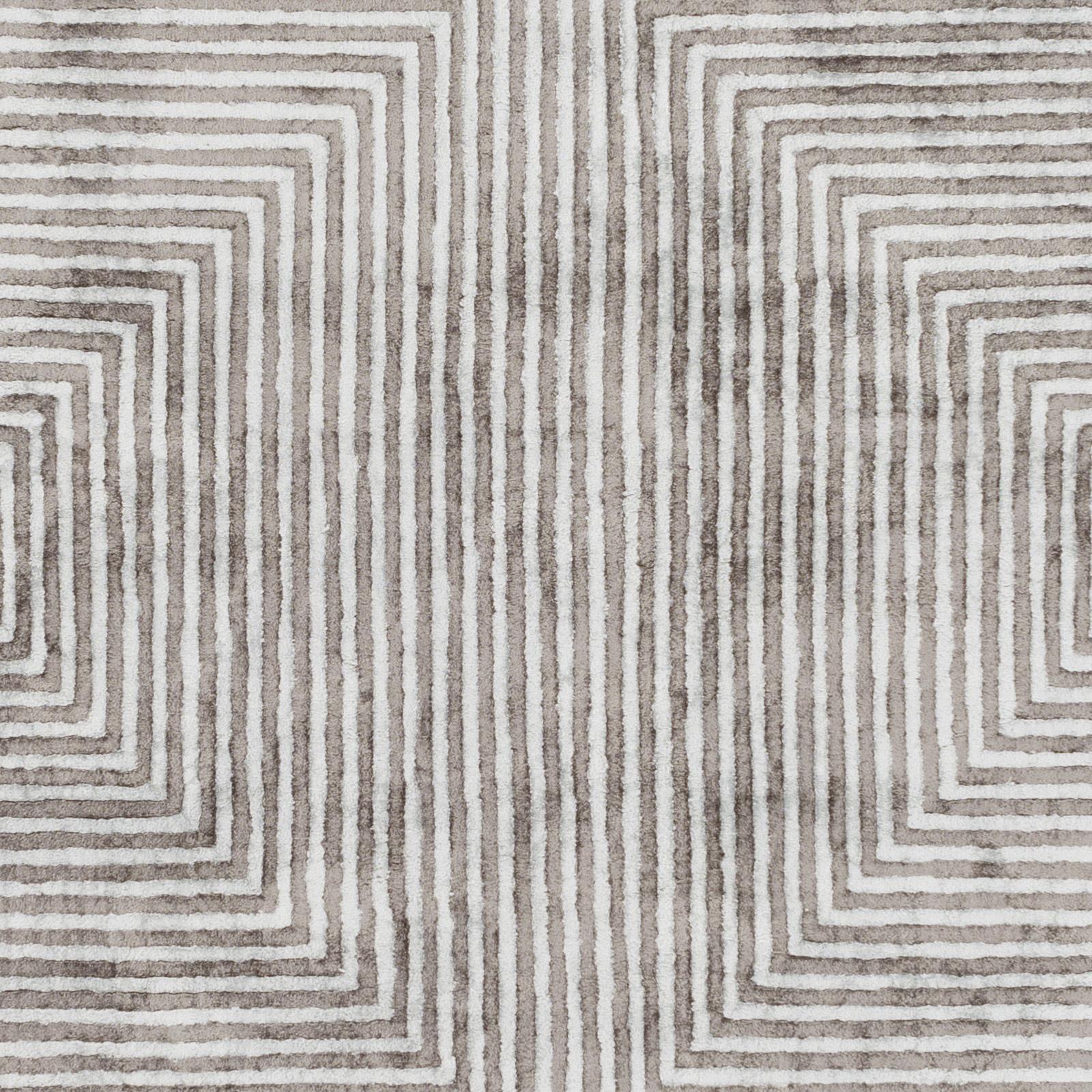 Quartz 8x10' Area Rug