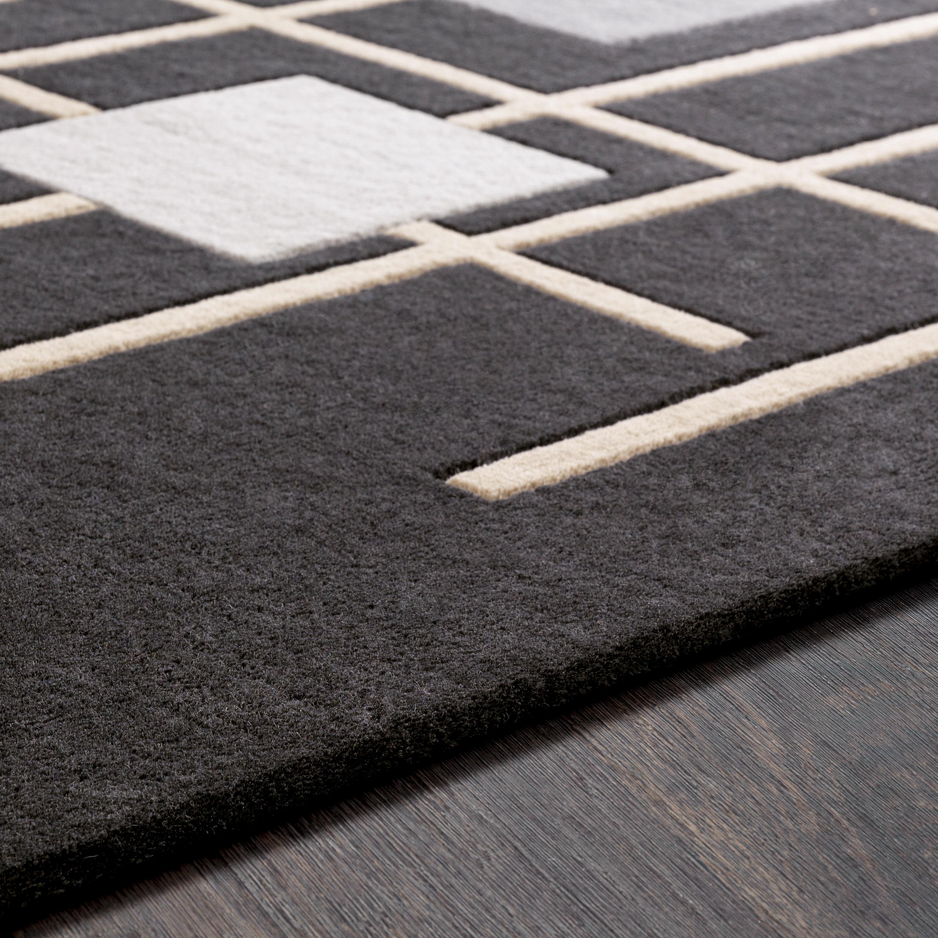 Forum 4' Round Area Rug