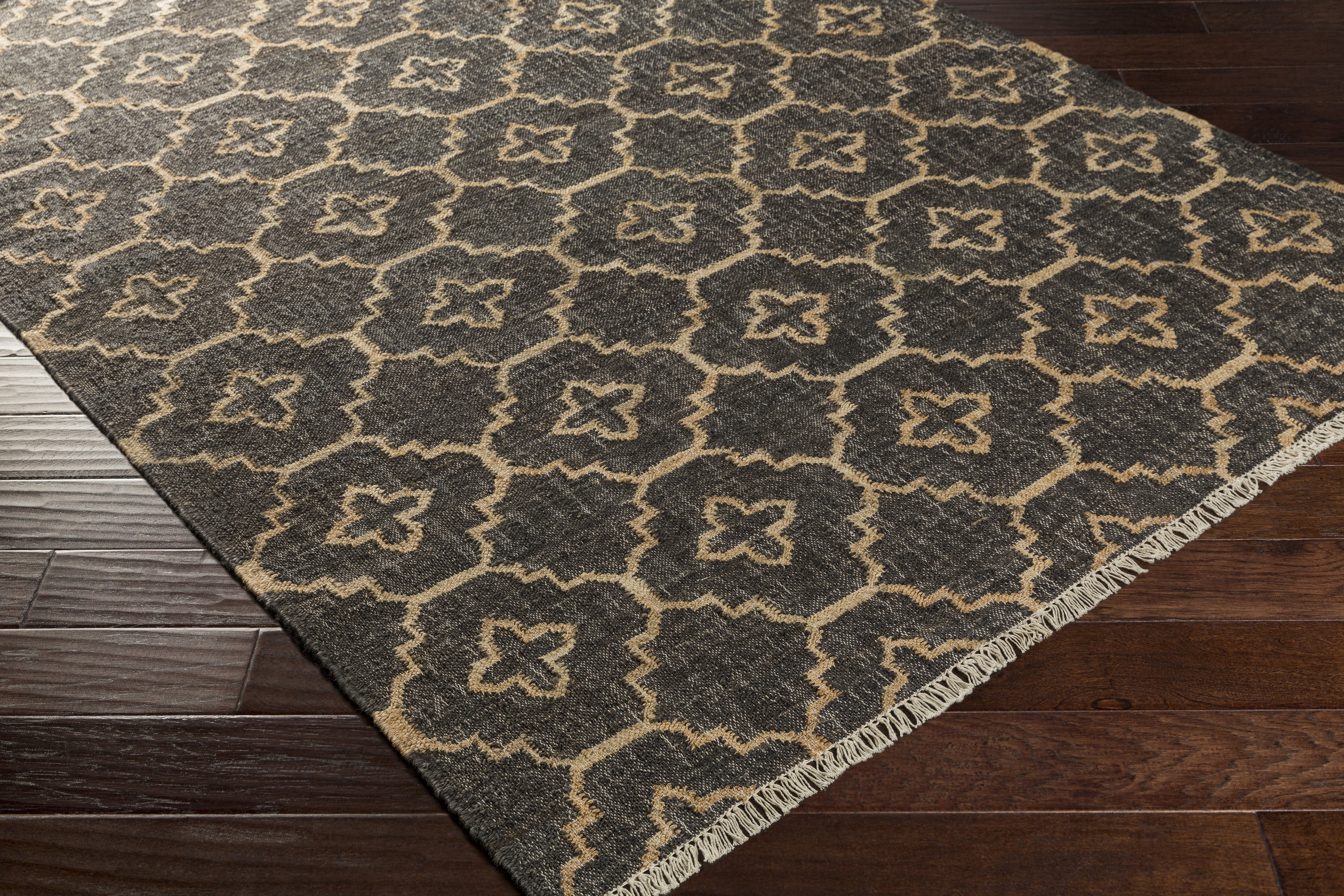 Laural 2' x 3' Area Rug