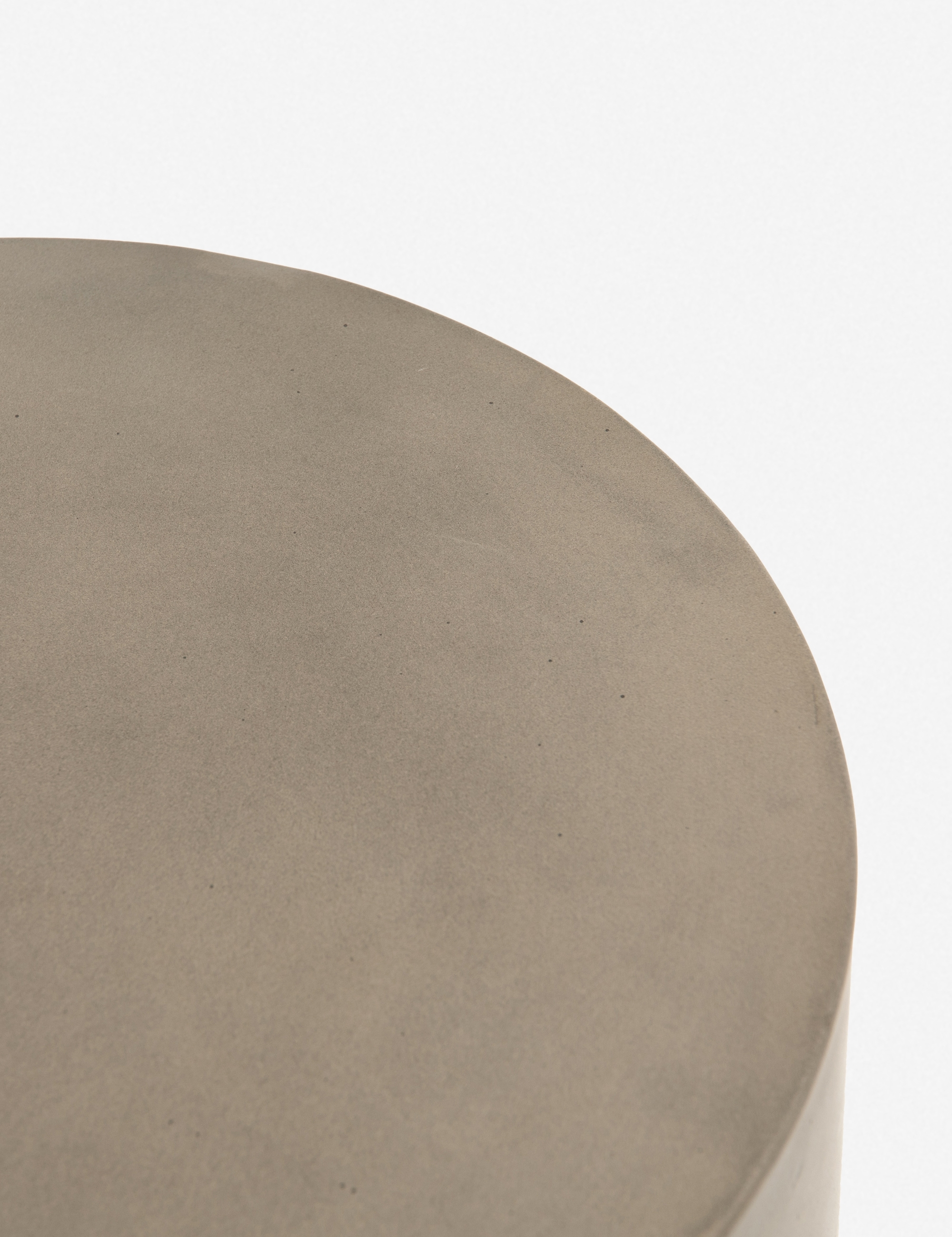 Mara Indoor/Outdoor Round Side Table