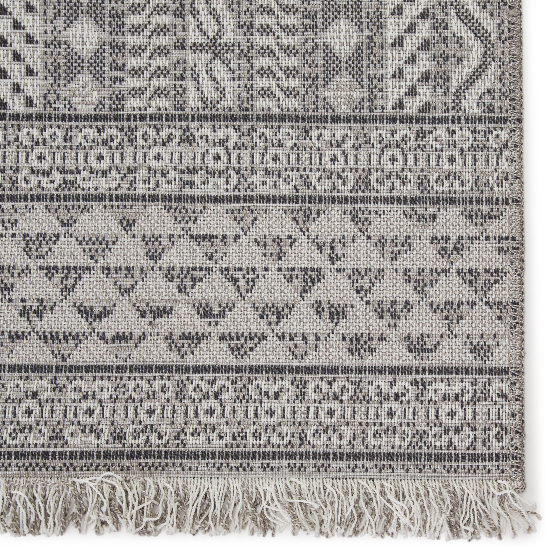 """Inayah Indoor/ Outdoor Tribal Gray/ Light Gray Area Rug (8'9""""X12'5"""")"""