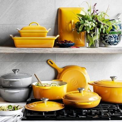 Le Creuset Signature Cast-Iron Round Dutch Oven, 7 1/4-Qt., Matte French Grey