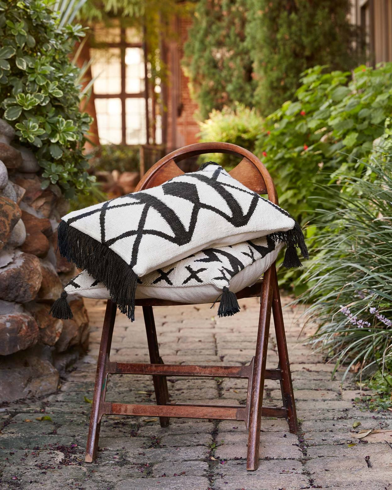 """Lom Pillow Cover, 18"""" x 18"""""""