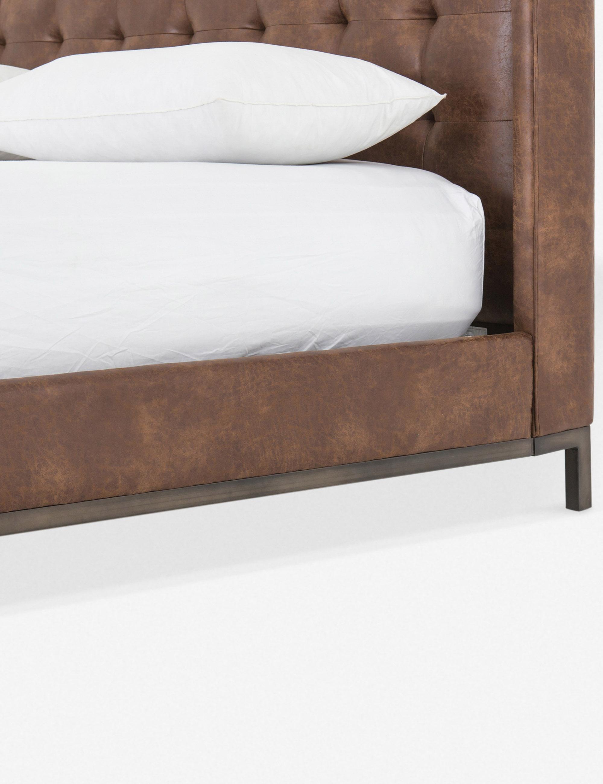 Vedette Bed, Vintage Tobacco King