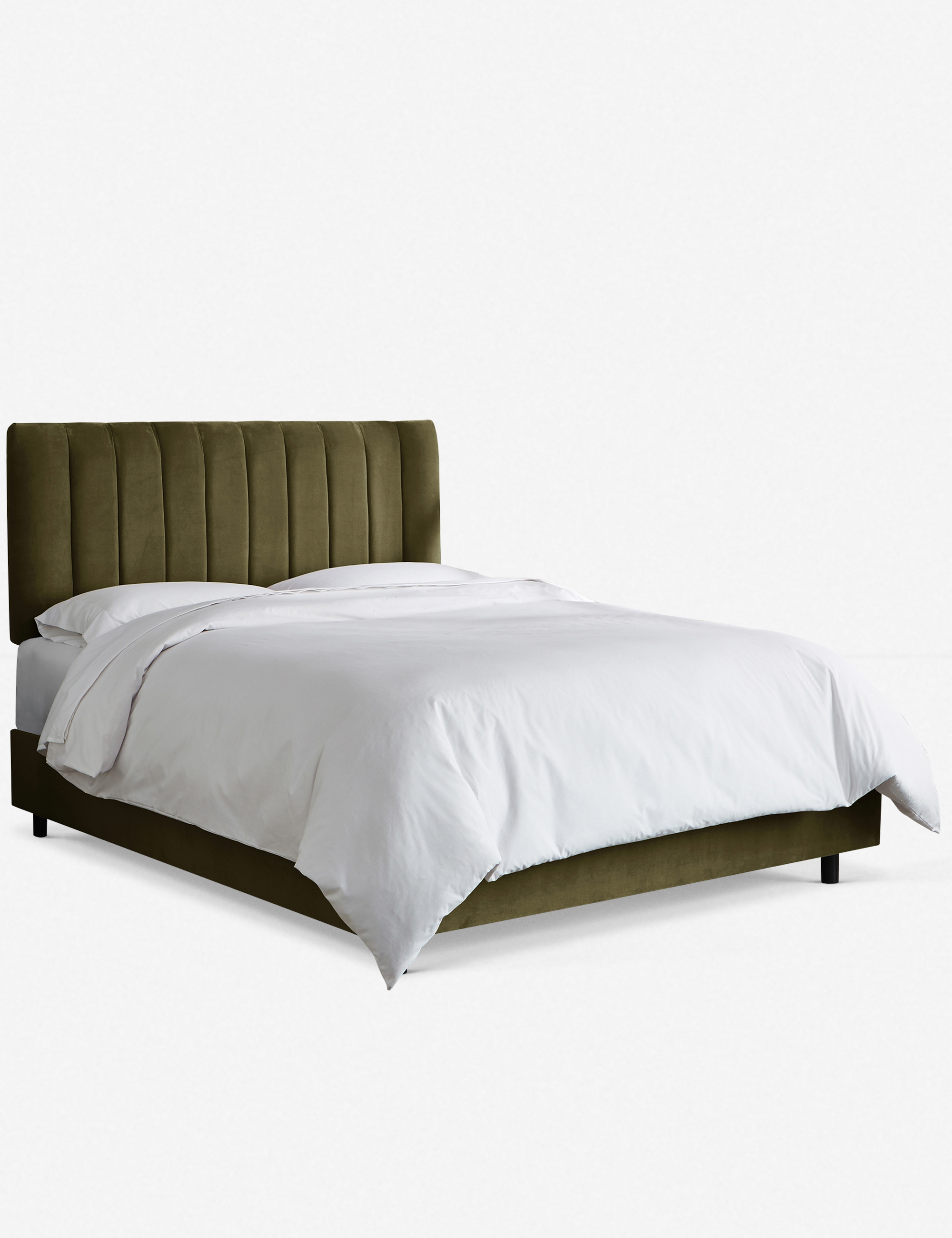 Aliyah Velvet Bed, Pine Queen