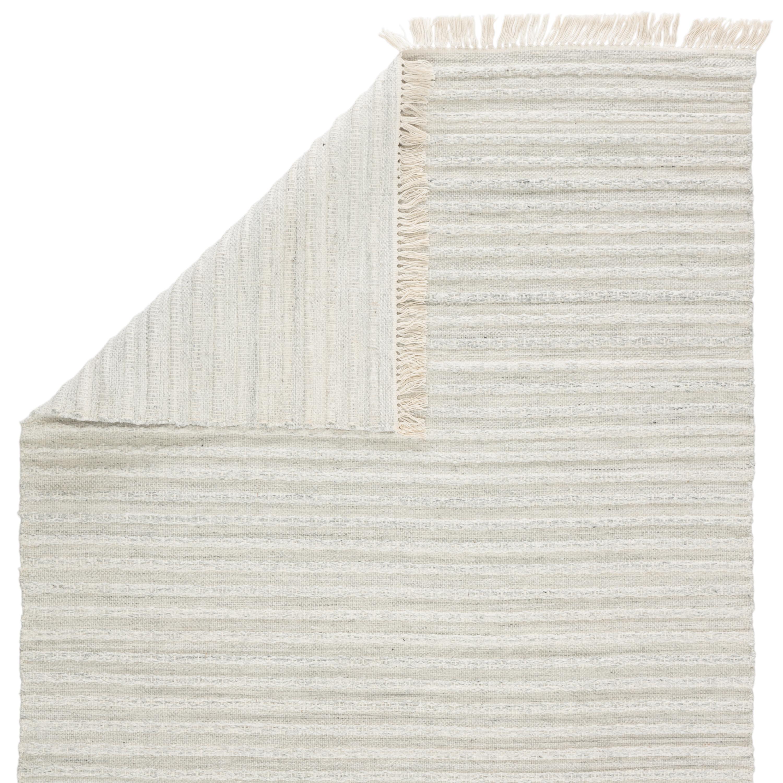 Torre Indoor/ Outdoor Solid Light Gray/ Cream Area Rug (5'X8')