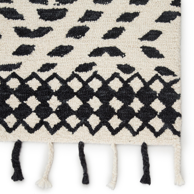 Nikki Chu by Roka Handmade Trellis Ivory/ Black Area Rug (9'X12')